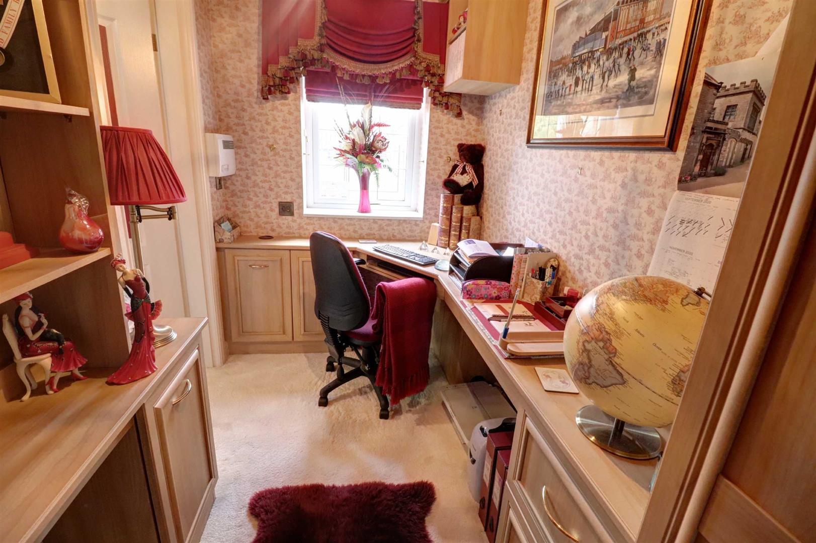 3 Bedroom Detached House For Sale - Image 9
